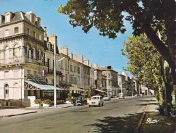 33 / PAUILLAC / LES QUAIS / JOLIE CARTE / CIRC 1967 - Pauillac