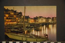 CP 44 *  LE  POULIGUEN  N°1410     Le Port à La Tombée Du Jour   Yachts    EDITIONS   S.E.C.A - Le Pouliguen