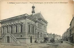 08 ATTIGNY PLACE CHARLEMAGNE VUE DE LA RUE LOUIS LE DEBONNAIRE - Attigny