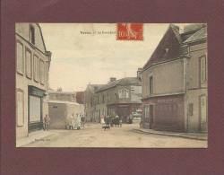 VOVES - Eure-et-Loir - Le Carrefour - France