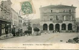N° 28519 -cpa Bains Les Bains -place De L'Hôtel De Ville- - Bains Les Bains