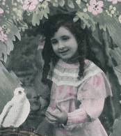 ENFANTS - LITTLE GIRL - MÄDCHEN - Jolie Carte Fantaisie Portrait Fillette Et Tourterelles - Portraits