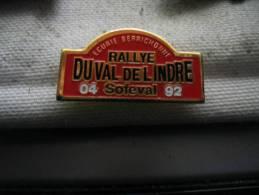 Pin´s Rallye Du Val De L´INDRE, Avril 92. Ecurie Berrichonne SOFEVAL. Courses De Voitures - Badges