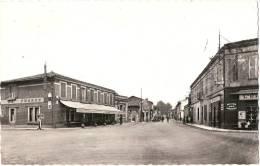 32 - L´ISLE JOURDAIN - Quartier Des 4 Chemins    écrite TTB - Otros Municipios