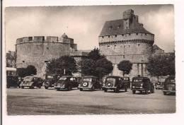 35 - SAINT-MALO : Le Donjon Et La Tour Du Château - Voitures Années 50: 4cv , 203 , Traction ..... - Saint Malo