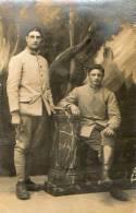 Carte Photo De Deux Soldats - Régiments