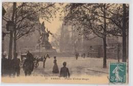 PARIS XVIe - Place Victor Hugo - Omnibus Rue Taitbout - Vve Guéret 11 Toilée - Arrondissement: 16