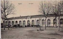Gare De Agde Avec Calèches Et Personnages - Agde