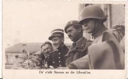 Carte Postale Photo Militaire GUERRE Libération 1939-1945-FRANCE-LUXEMBOURG-BELGIQUE ? A SITUER A LOCALISER 2 SCANS - Guerre 1939-45