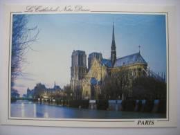 Paris   Cathedrale Notre -Dame/ Night - Eglises