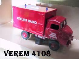 -VEREM - Voiture SIMCA UNIC Shelter Pompiers - 1/43°- Réf 4108 - Verem