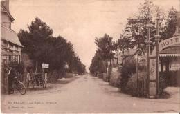 CPA - LA BAULE 44 Loire Atlantique - La Grande Avenue - Animée Facteur à Vélo Charette - La Baule-Escoublac
