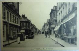 YVETOT Rue Du Calvaire Animé Et Une Traction Avant - Cpa N° 10 - édition Pire - Cpa Non écrite Correcte - Yvetot