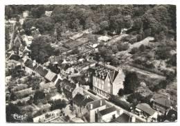 Saint-Jean-le-Thomas (50) : Vue Générale Aérienne Au Niveau Da Grande Auberge Au Centre Du Bourg En 1956 (animé) - France
