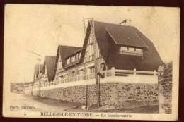 Cpa Du 22  Belle Isle En Terre  La Gendarmerie      EUG6 - Non Classés
