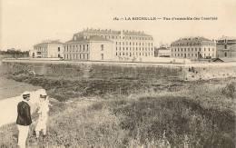 184  -  LA  ROCHELLE - VUE D'ENSEMBLE DES CASERNES - La Rochelle