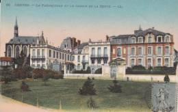 CPA 35 RENNES ,la Préfecture.et Le Jardin De La Motte. (1921) - Rennes
