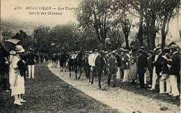 Deauville, Les Courses, Sortie Des Chevaux. - Deauville