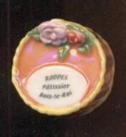 Féve  De La Série Gourmandise Patissière -  Roddes Patissier, Bois Le Roi   -  Prime  2002 - Non Classés
