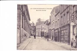 LA CHATAIGNERAIE (Vendée)  --  Rue Des Halles - La Chataigneraie