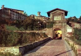 "Bellissima   Cartolina    Anni  70      ""  BERGAMO - Porta Garibaldi Già Porta S.Lorenzo    "" - Bergamo"