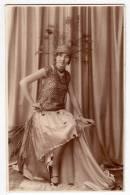 PHOTOGRAPHS WOMAN A LADY FASHION OLD POSTCARD - Photographs