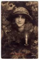 PHOTOGRAPHS WOMAN CANDLE CHRISTMAS AMAG Nr. 62718/1 OLD POSTCARD - Photographs