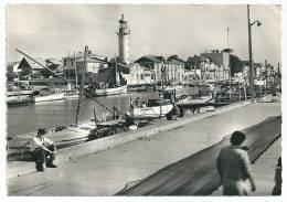 Cpsm:  30 LE GRAU DU ROI  (ar. Nîmes) Port De Pêche Sur La Vidourle  (animé)  1961  N° 295 - Le Grau-du-Roi
