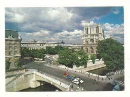 Cp, 75, Paris, Notre-Dame Et Son Parvis Depuis Le Petit Pont, Voyagée 1988 - Notre Dame De Paris