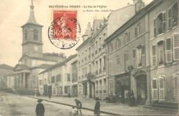 88 - CPA Bruyères-en-Vosges - La Rue D'Alsace - Bruyeres