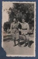 """MILITARIA - PHOTOGRAPHIE NOTEE """" SOUVENIR DEU DEU ZOUAVES DU P.D.C """" DEUX ZOUAVES DU PAS DE CALAIS - Guerre, Militaire"""