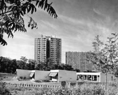 FIRMINY VERT   1969   UNE ECOLE MATERNELLE DANS LA CITE RENOVEE - Places