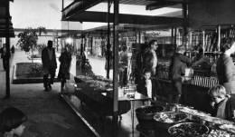 MARLY LE ROI   1964  LE CENTRE COMMERCIAL DES GRANDES TERRES - Places