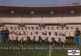 PIACENZA - MAXI CARTOLINA CALENDARIO - LA SQUADRA ALLO STADIO GARILLI - Football
