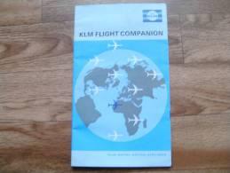 CB1  KLM  Flight Companion Document Pour Passagers Avec Instructions De Sécurité, Cartes De Vol (voir Descriptions) - Articles De Papeterie