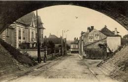 95- MERIEL-Rue De L' Abbaye Du Val- Publicité LU - Meriel