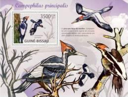 gb10117b Guinea Bissau 2010 Woodpeckers s/s