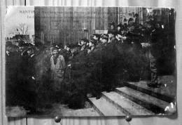 NANTES MANIFESTATIONS DU 22 FEVRIER 1906 INVENTAIRES LES CATHOLIQUES CHANTENT DES CANTIQUES SUR LES MARCHES - Manifestazioni