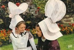 CPA-1965-50ST LO-GROUPE FOLKLORIQUE-Le PIED Qui REMUE-CONFIDENCES-COSTUMES 1840--- TBE - Danses