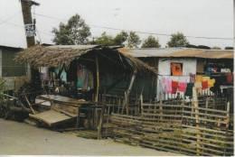 GUAM - Des Constructions Bien Fragiles, Comme L´on En Voit Souvent En Océanie - Guam
