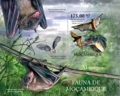 m11407b Mozambique 2011 Bats s/s