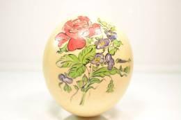 Ancien Oeuf D'autruche Décoré, Motifs Floral - Oeufs