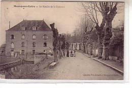 45 Meung Sur Loire - Le Moulin De La Fontaine - Animé Femmes Sur La Route En Hiver - Platanes Non Taillés Côté Maisons - Zonder Classificatie