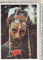 Africa Niger Nigeria Wodaabe Man Preparing For A Charm Dance Angela Fisher And Carol Beckwith  Trucco  Tatuaggi Costumi - Niger