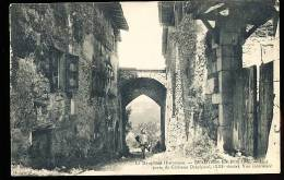 38 BEAUVOIR EN ROYANS / Une Porte Du Château Delphinal / - France