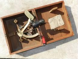 BEL ANCIEN SEXTANT HUGHES & SON Daté JANVIER 1942 - ROYAL NAVY WW2 - Technique Nautique & Instruments