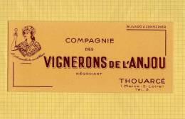 BUVARD : Compagnie Des Vignerons De L'ANJOU  THOUARCE - Schnaps & Bier