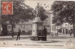 71 MACON PLACE DE LA REPUBLIQUE FONTAINE DE LA VENDANGEUSE - Macon
