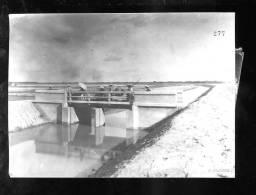 R 2013 01 24A  Photo Format Carte Postale, Indochine,Tonkin Son Tay, Canal D'irrigation, Précisions Sur Scan 2. - Altri