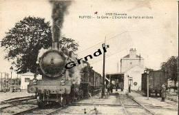 RUFFEC - La Gare - L´Express De Paris En Gare. - France